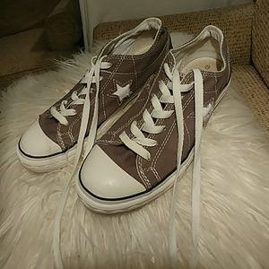 Charcoal gray Converse ONE Star sneakers, like NEW